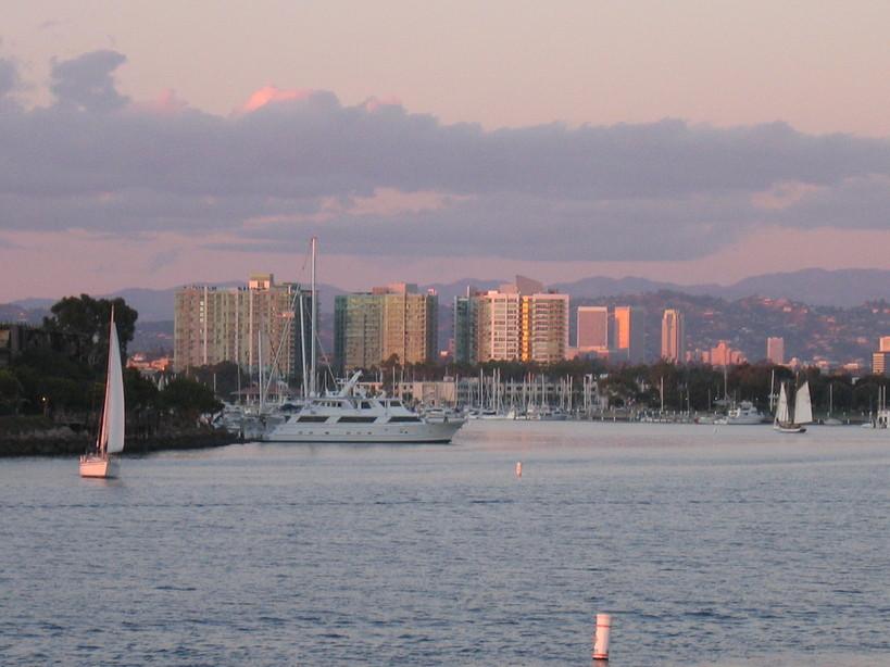 13650 Marina Pointe Drive #1801, Marina del Rey, CA 90292 – Marina del Rey Real Estate – MDR Condos – $3,875,000