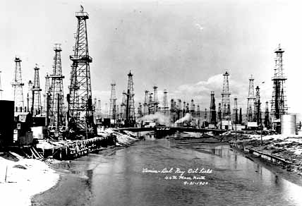 History about the Discovery of Oil on the Marina del Rey Peninsula – MDR Condos