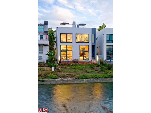 New Listing: 5110 Pacific Avenue, Marina del Rey – Gorgeous Contemporary Canal Home on the Peninsula – $5,545,000