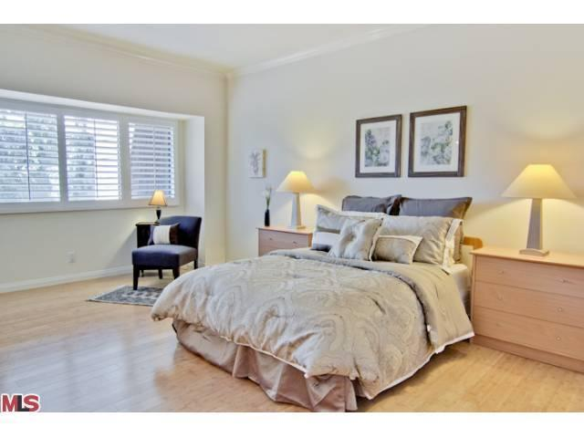 WANTED!!!! – Villa Velletri Townhome in Move-in Condition
