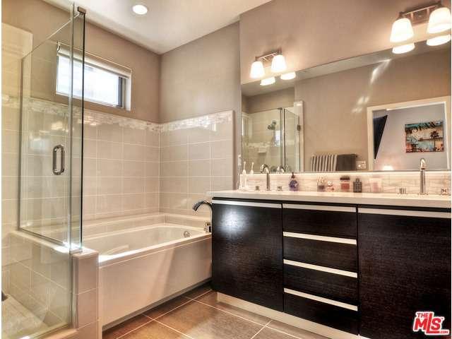 Latitude Bath
