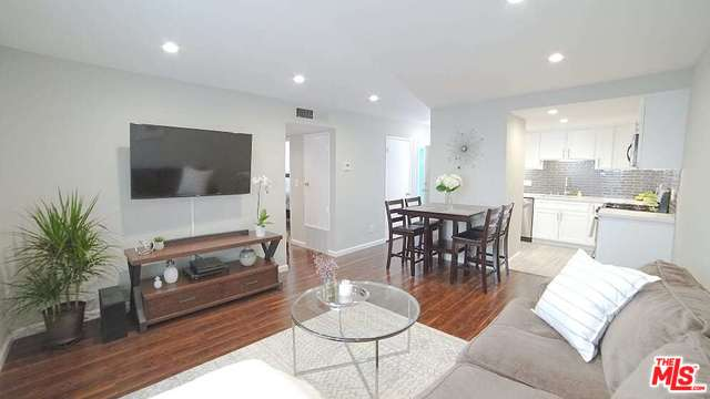 THE BEST OPEN HOUSE EVER (Open TODAY from 2-5) – 12629 Caswell #5, Mar Vista