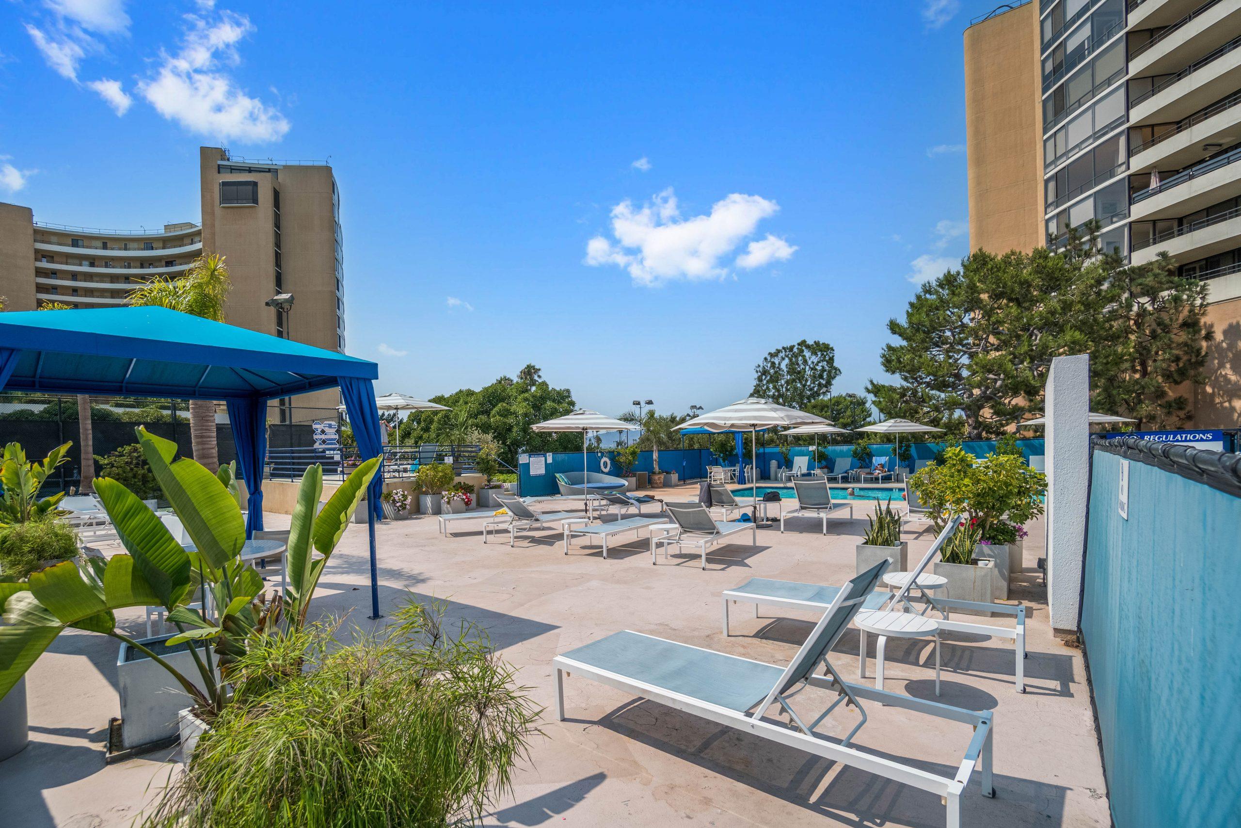 Marina City Club – Condos for Sale
