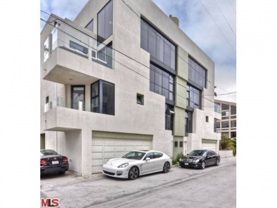 Newly Remodeled Condo for Sale on the Marina del Rey Peninsula – 15 Union Jack Street – $1,325,000
