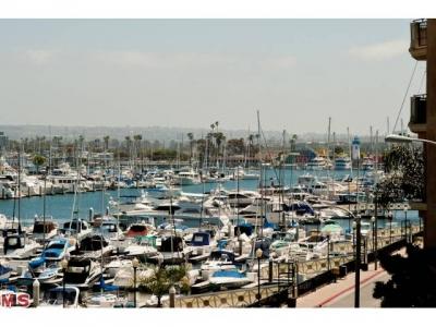 Current Condo for Sale in the Marina Strand Colony on the Peninsula – Marina del Rey Condos